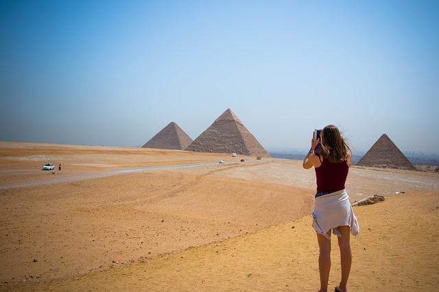 pyramid-woman OP