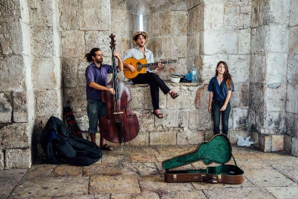 israel-street musicians