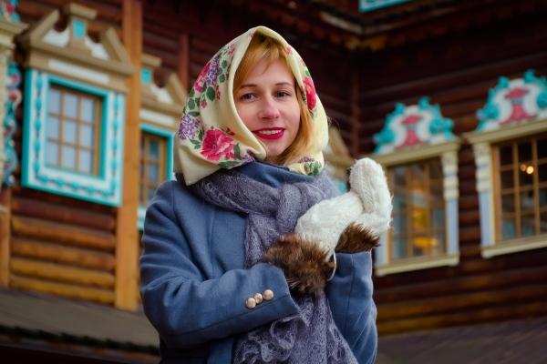 girl-Russian costume