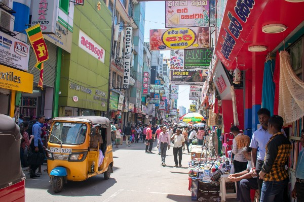 busy-street-Sri Lanka