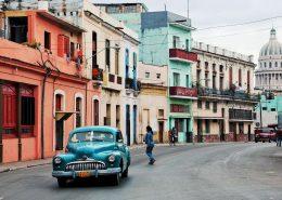 cuba-street-car