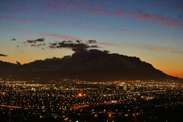 table-mountain at night